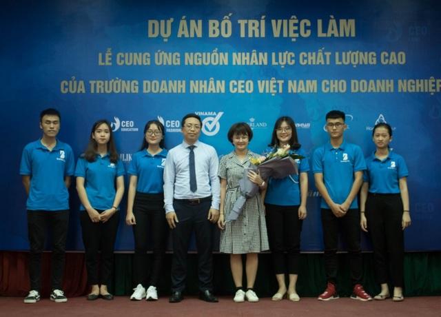"""Không khó để sinh viên Trường Doanh nhân CEO Việt Nam có mức lương """"khủng"""" - 1"""