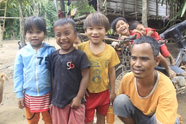 Những cư dân vừa nhập quốc tịch Việt Nam phấn khởi xây dựng cuộc sống mới - 5