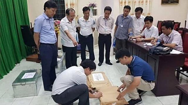 Bí ẩn con lợn nhựa vỡ lưng thu được trong vụ gian lận điểm thi Hà Giang - 1