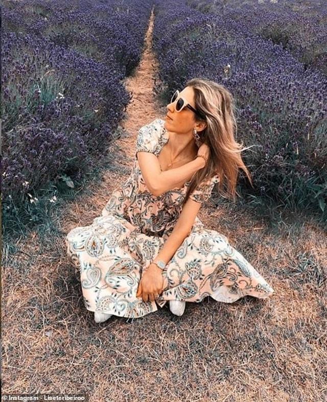 Cánh đồng hoa oải hương tĩnh lặng bỗng chật cứng khách du lịch - Ảnh minh hoạ 2