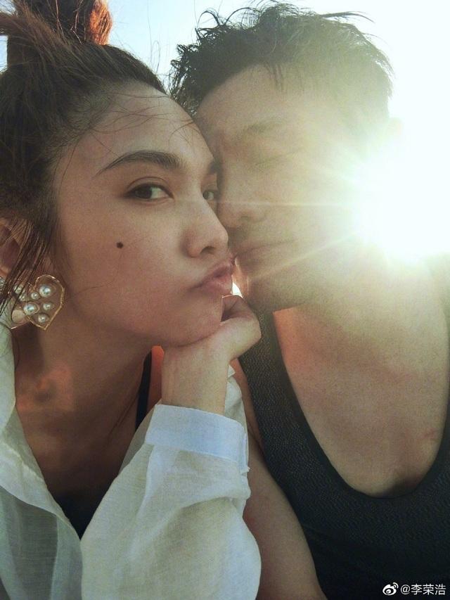 Dương Thừa Lâm nhận lời cầu hôn của bạn trai, từ bỏ lời hứa độc thân - 1