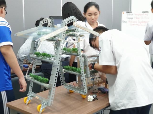 Lần đầu tiên tổ chức ngày hội Steme dành cho teen yêu công nghệ - 1