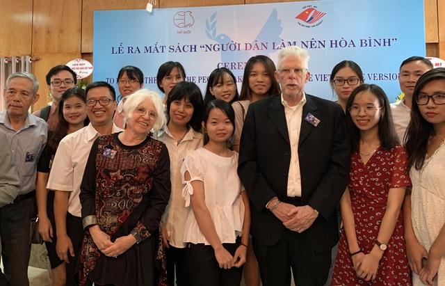 6 nhà hoạt động hòa bình Mỹ nhận Kỷ niệm chương của Việt Nam - 3