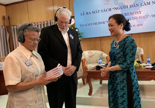 6 nhà hoạt động hòa bình Mỹ nhận Kỷ niệm chương của Việt Nam - 2