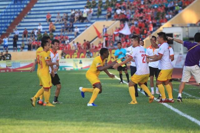 CLB Nam Định đánh bại Viettel tại Thiên Trường - 2