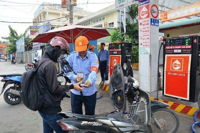 Chuyện lạ: TPHCM không nhập một lít xăng nào trong nửa năm - 2