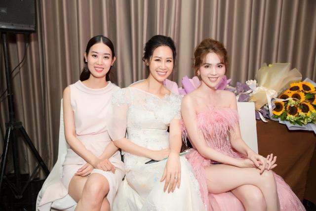 Phương Oanh, Thanh Hương, Lã Thanh Huyền đọ nhan sắc tại sự kiện - 5