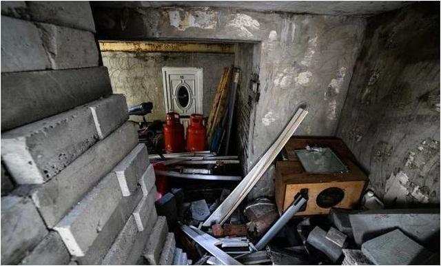 Rùng mình nghe âm thanh lạ từ tầng hầm, chủ nhà bỏ chạy không dám về nhà - 2