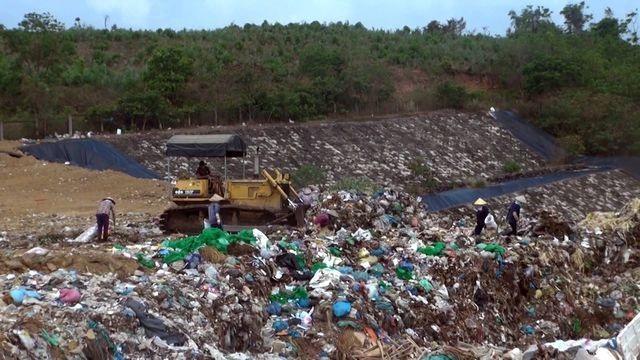 Bãi rác Thọ Vức gây ô nhiễm nghiêm trọng ảnh hưởng đến đời sống người dân sống xung quanh