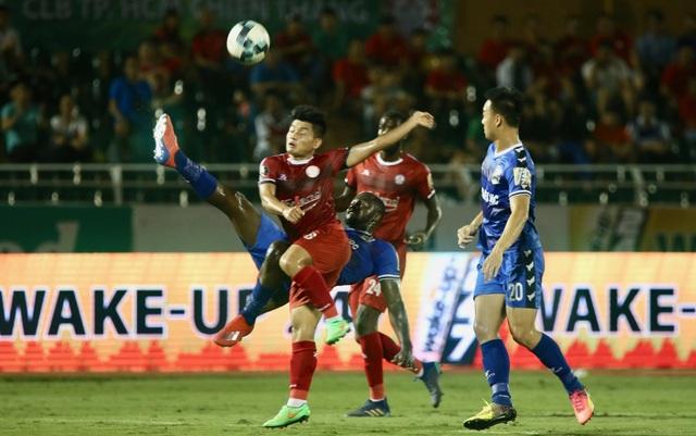 Thắng B.Bình Dương, CLB TPHCM tạm đòi lại ngôi đầu bảng V-League - 2