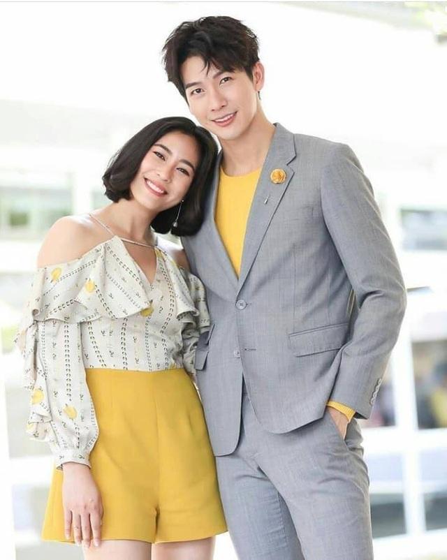 """Mỹ nam hấp dẫn của màn ảnh Thái Lan gây sốt với """"Chiếc lá cuốn bay"""" - 9"""