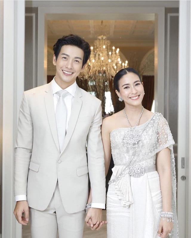 """Mỹ nam hấp dẫn của màn ảnh Thái Lan gây sốt với """"Chiếc lá cuốn bay"""" - 8"""