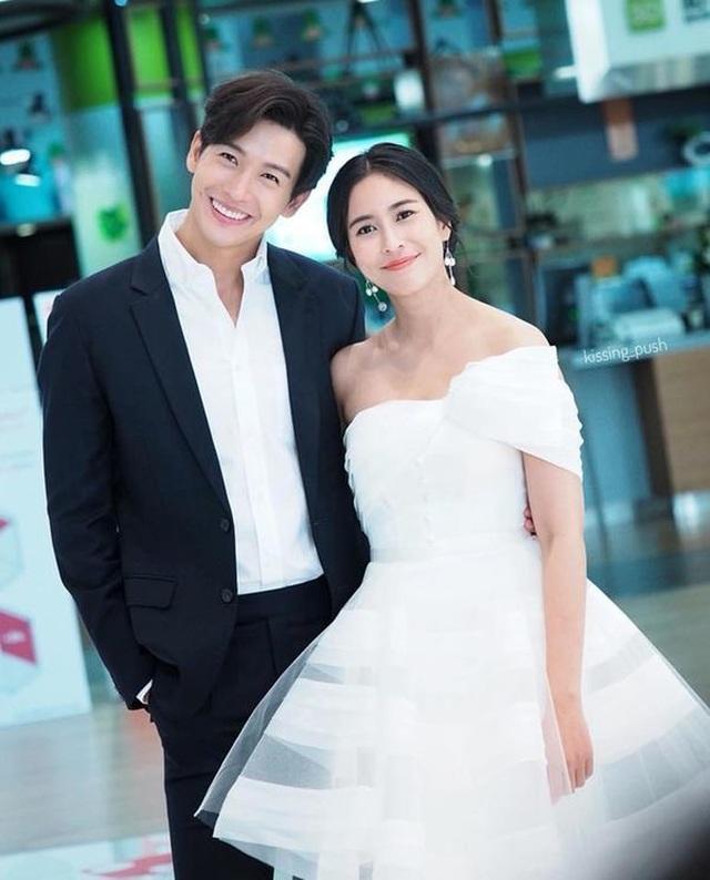 """Mỹ nam hấp dẫn của màn ảnh Thái Lan gây sốt với """"Chiếc lá cuốn bay"""" - 14"""