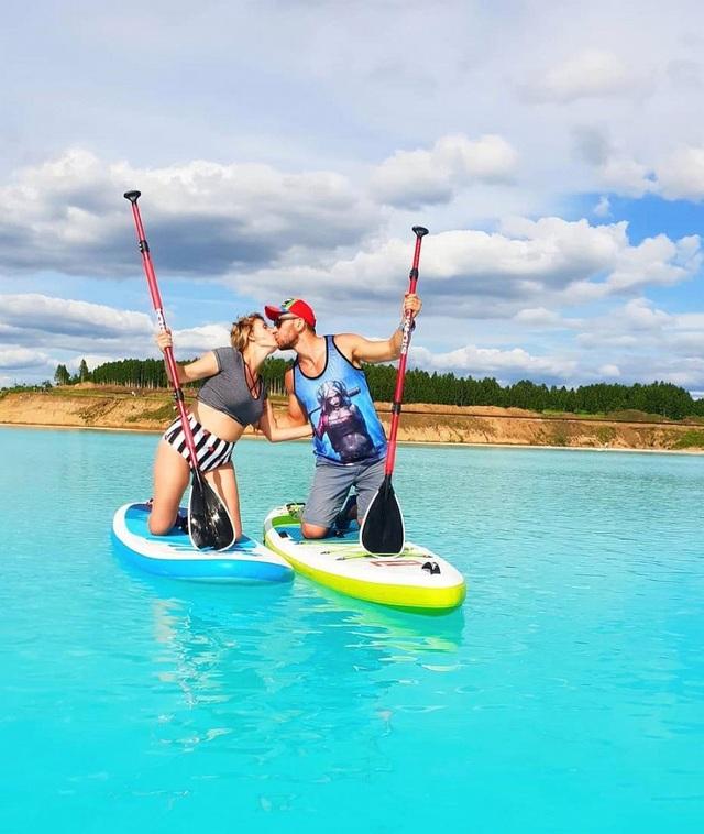 """Gái xinh """"phát cuồng"""" với hồ nước xanh lam ngọc ảo diệu nhưng chứa đầy chất độc - 6"""