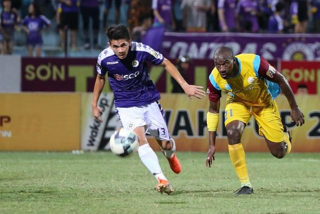 Hoà đội cuối bảng, CLB Hà Nội mất ngôi đầu V-League - 3