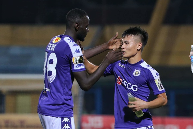 Hoà đội cuối bảng, CLB Hà Nội mất ngôi đầu V-League - 4