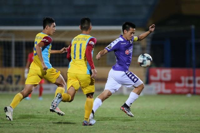 Hoà đội cuối bảng, CLB Hà Nội mất ngôi đầu V-League - 2
