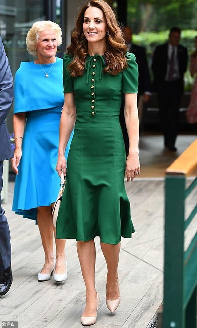 Công nương Kate Middleton diện váy gần 4000 USD đi xem tennis - 2