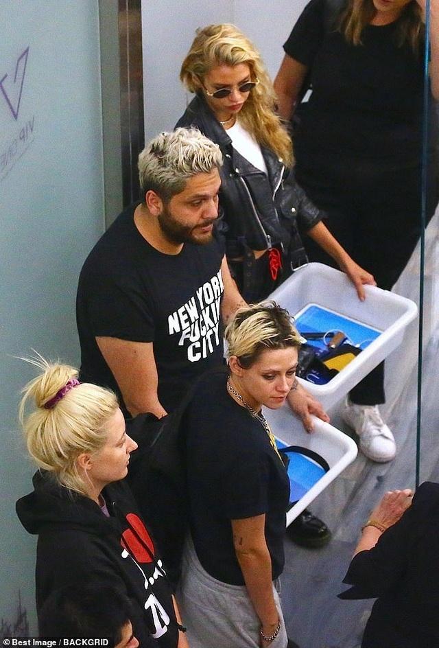 Kristen Stewart cùng bạn gái dự sự kiện - 8