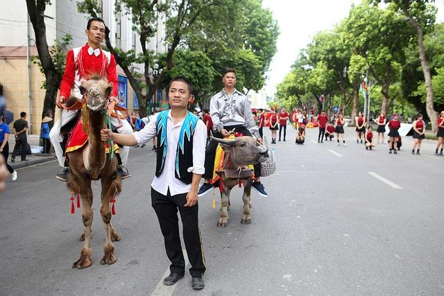 10.000 người diễu hành quanh hồ Gươm mừng Thành phố vì hòa bình - 12