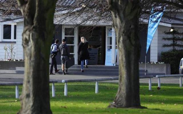 New Zealand: Người dân đổ xô đổi súng nhận tiền mặt sau thảm sát - 2