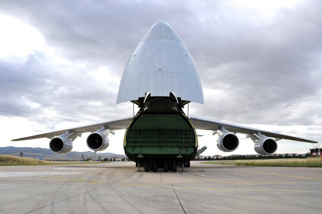 """Cận cảnh lô """"Rồng lửa"""" S-400 đầu tiên Nga chuyển cho Thổ Nhĩ Kỳ - 3"""