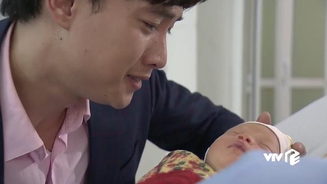 """""""Về nhà đi con"""": Điều thú vị về bé trai vào vai con của cặp đôi Thư - Vũ"""