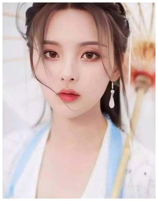 Thôn nữ 21 tuổi bị phản ứng dữ dội khi giữ danh hiệu cô gái đẹp nhất Trung Quốc - 2