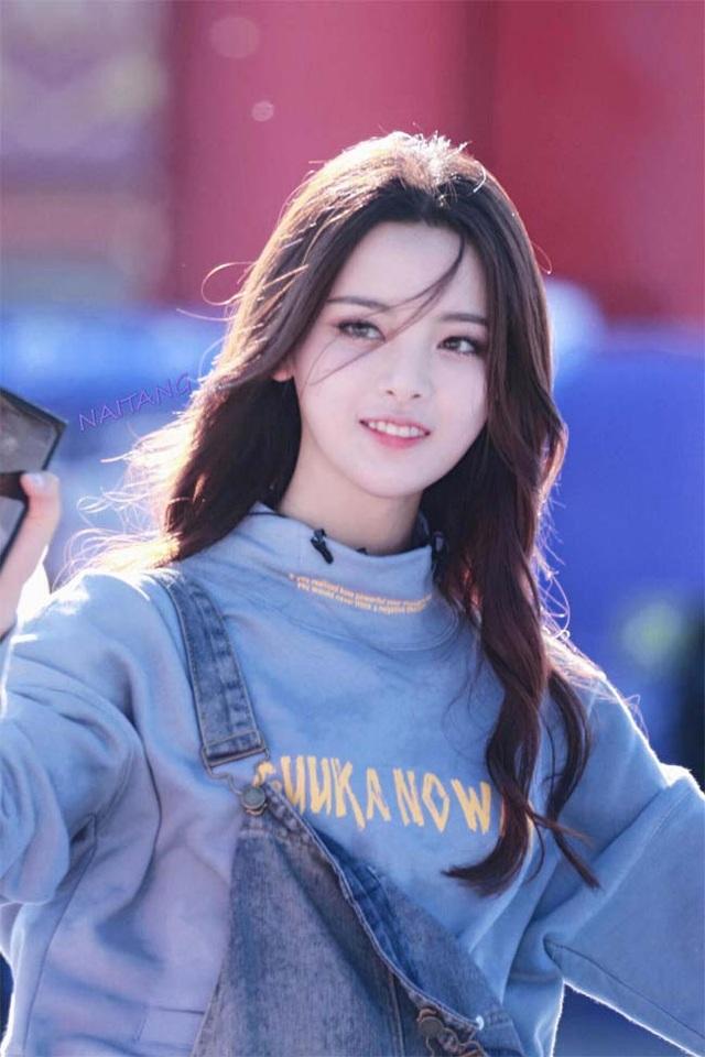 Thôn nữ 21 tuổi bị phản ứng dữ dội khi giữ danh hiệu cô gái đẹp nhất Trung Quốc - 9