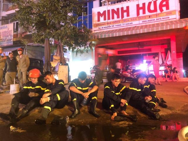 Cháy chợ dữ dội trong đêm, 45 ki ốt bị thiêu rụi - 5