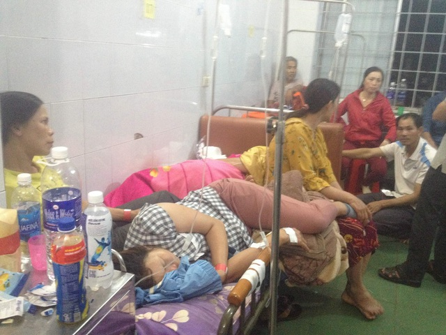Đắk Lắk: Ăn đám cưới, trên 200 người ồ ạt nhập viện cấp cứu - 1