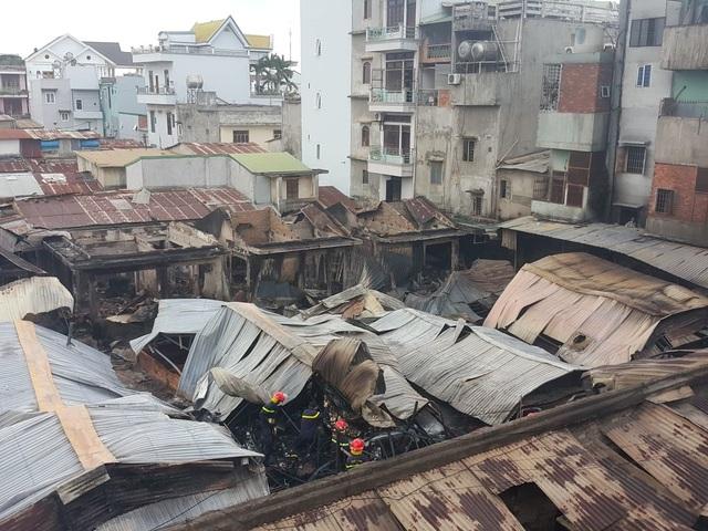 Vụ cháy chợ thiêu rụi 45 ki ốt: Trên 10 tỷ đồng ra tro - 1