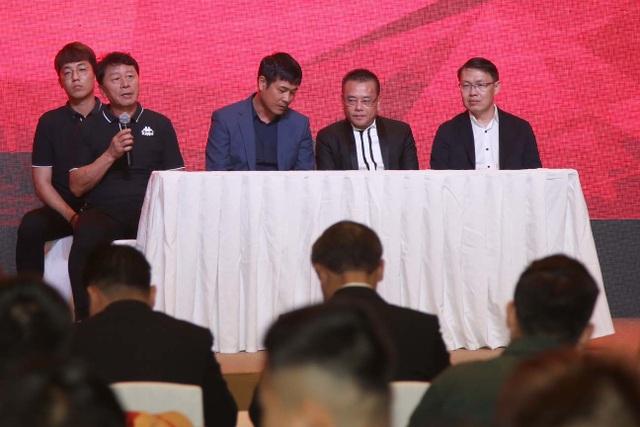 CLB TPHCM chính thức đặt mục tiêu vô địch V-League - 1