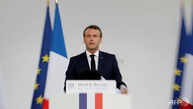 Pháp tuyên bố tham gia vào cuộc đua không gian - 1