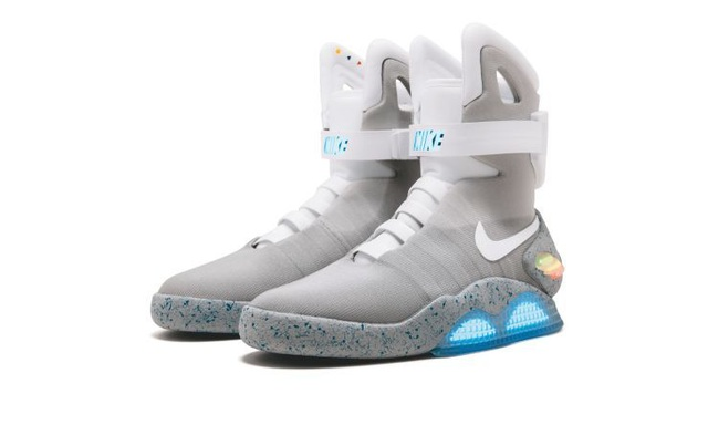 Đôi giày thể thao được bán đấu giá lên tới hơn 3,7 tỉ đồng - 2
