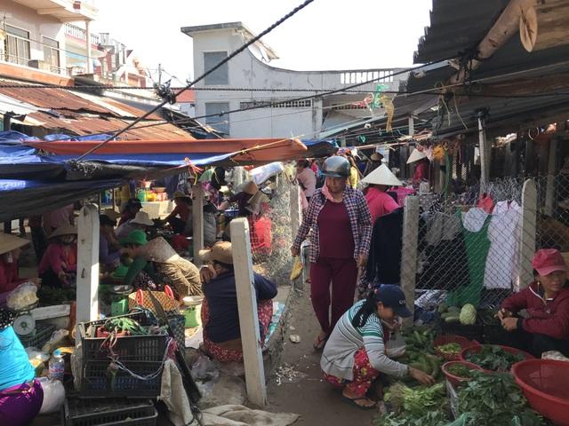 Phú Yên: Chợ tiền tỷ xây xong vẫn đìu hiu vì nhiều tiểu thương không mặn mà! - 1
