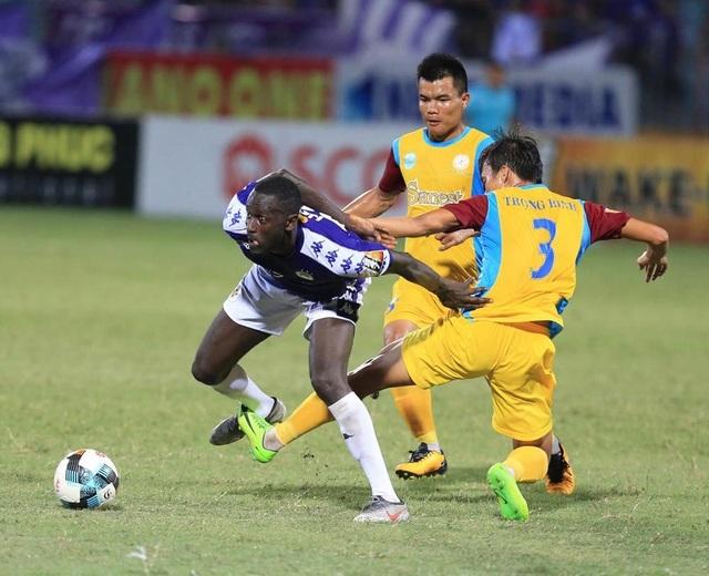 Cuộc đua đến ngôi vô địch V-League vẫn còn quyết liệt - 3