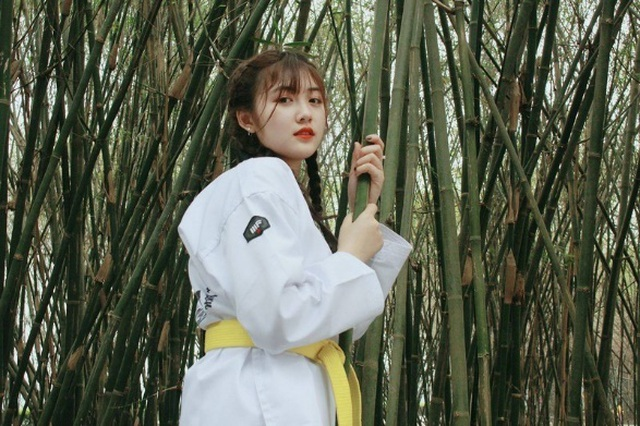 """Nữ sinh xứ Thanh xinh đẹp được ví như """"búp bê võ thuật"""" - 2"""