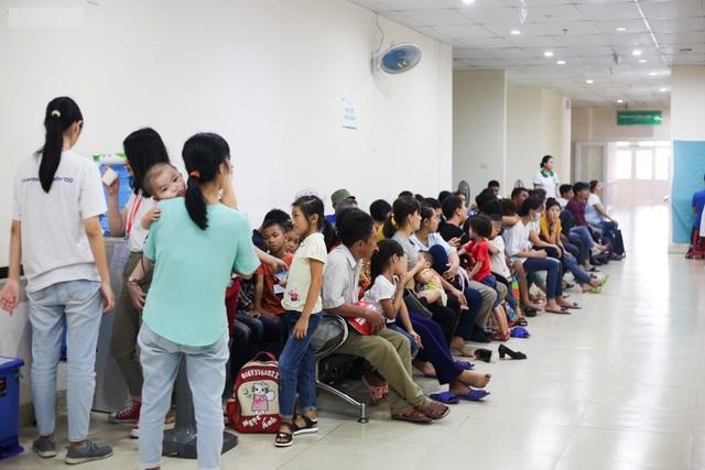 Phẫu thuật miễn phí cho hàng trăm trẻ em hở hàm ếch của 5 tỉnh miền Trung - 1