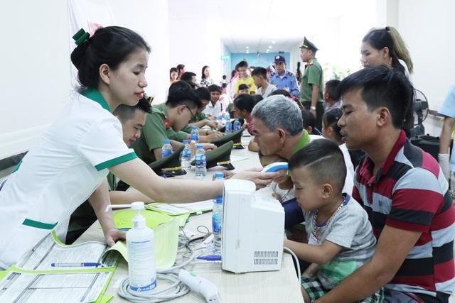 Phẫu thuật miễn phí cho hàng trăm trẻ em hở hàm ếch của 5 tỉnh miền Trung - 3