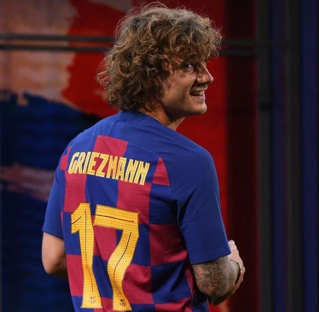 """""""Bom tấn"""" Griezmann rạng rỡ ra mắt Barcelona"""