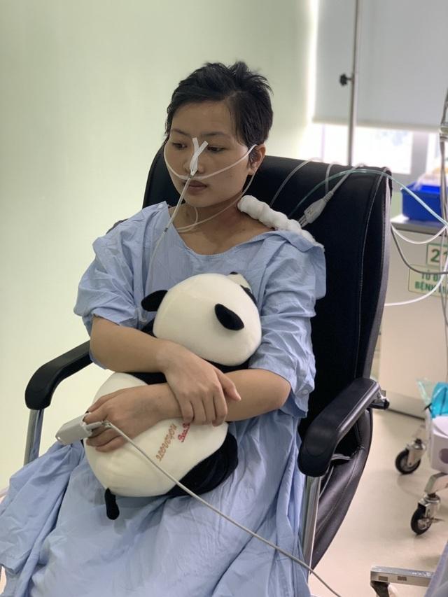 Xót xa cảnh mẹ nghèo mong hiến tính mạng để cứu con gái nhập viện bất thường - 4