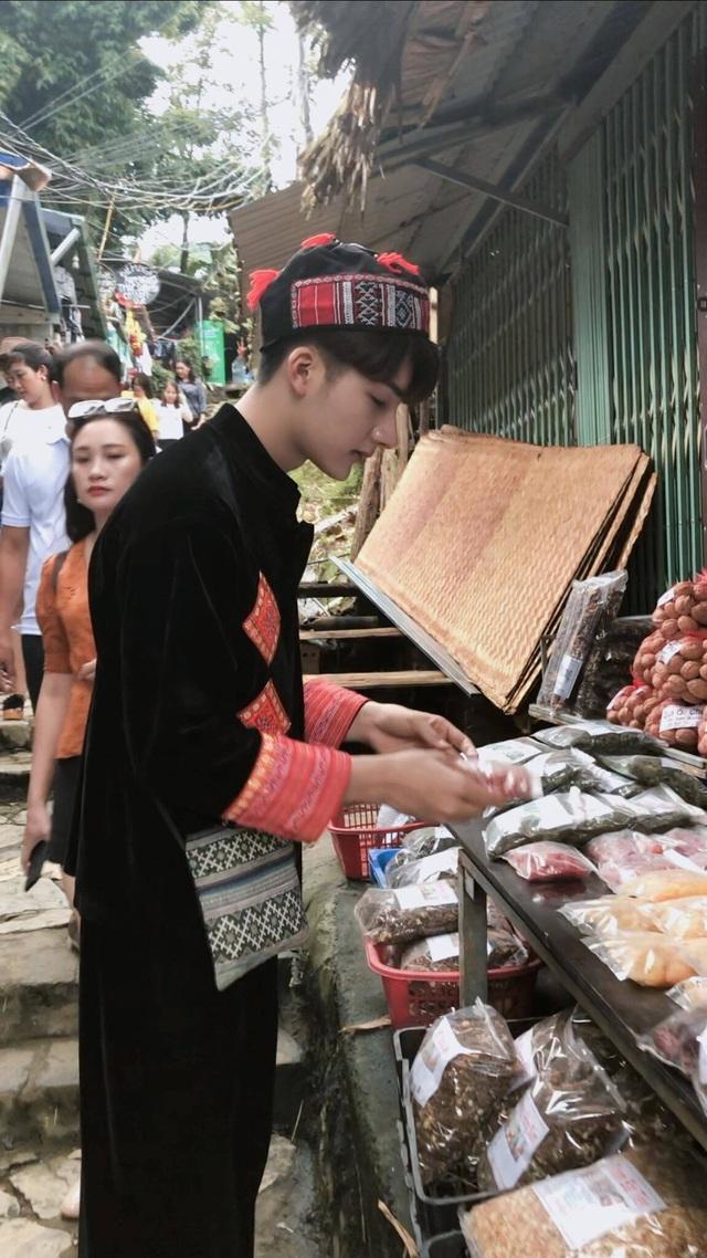 """""""Hot boy dân tộc"""" tại Sa Pa khiến dân mạng xao xuyến - 5"""