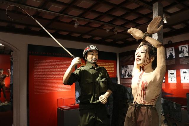 Gông cùm, đòn tra tấn chiến sĩ cách mạng thời chiến tranh - 5