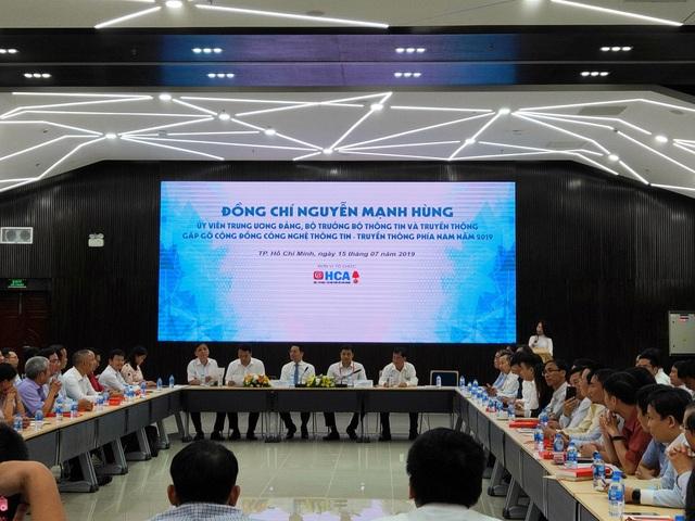 """Bộ trưởng Bộ TTTT: """"Sứ mệnh Việt Nam hùng cường đặt lên vai các doanh nghiệp CNTT"""" - 1"""