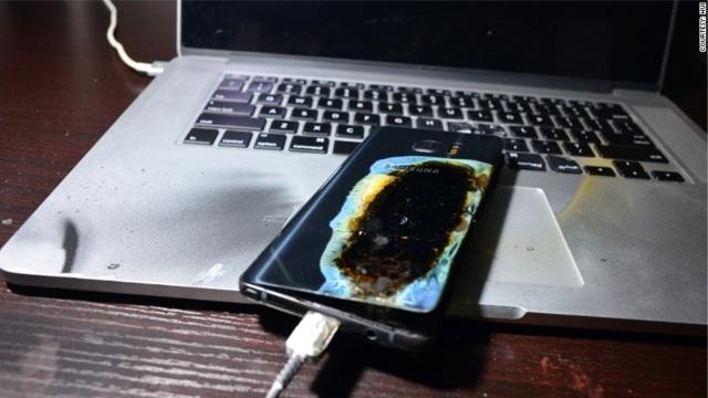 Những tai nạn thương tâm vì sử dụng điện thoại di động - 2