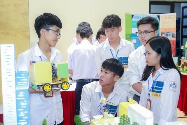 Hàng ngàn bạn trẻ yêu công nghệ háo hức với ngày hội STEME - 4