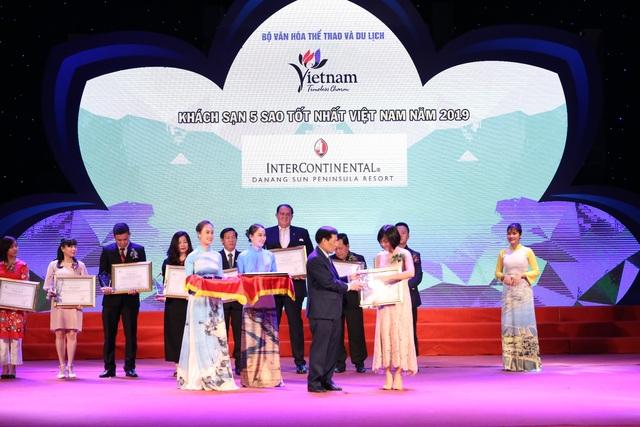 Phó Thủ tướng Vũ Đức Đam dự lễ trao giải thưởng Du lịch Việt Nam 2019 - 2