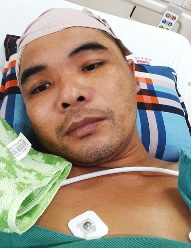 Con trai vừa mất, cha đau đớn phát hiện mình cùng mang bệnh u não - 2