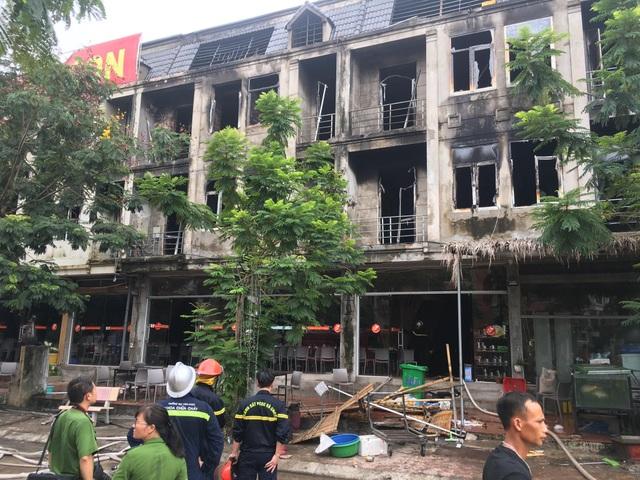 Cháy dữ dội dãy nhà liền kề gần Thiên Đường Bảo Sơn - 3